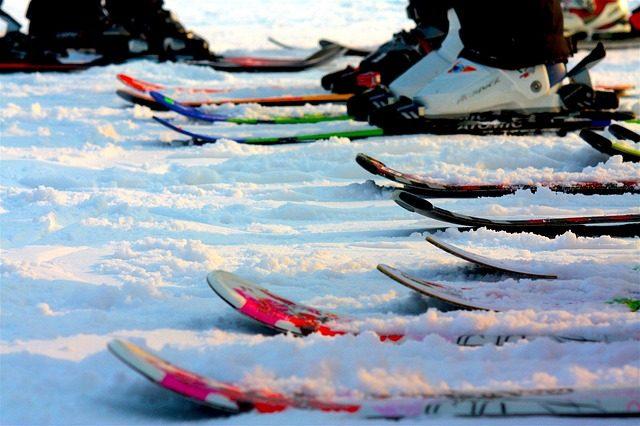 ski-1145553_640