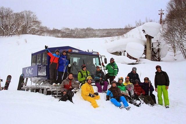 snowboarding-1891432_640
