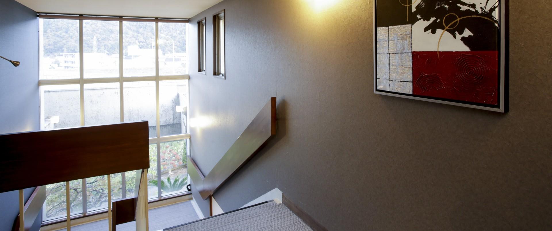 創業から50年 - 川のほとりに佇む隠れ家ビジネスホテル